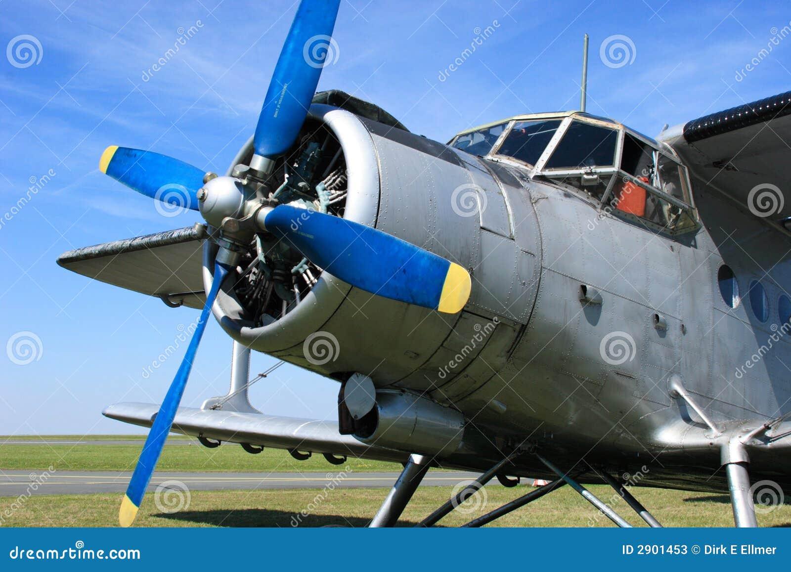 Aeroplano Antonov 2