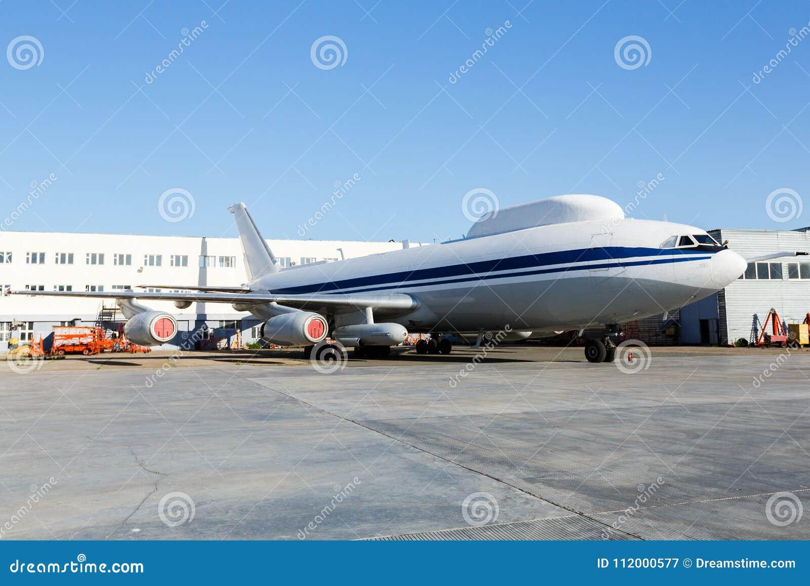 Aeroplano Asamblea General Lanz/ó Alimentado Por Banda De Goma Blanca Y Azul