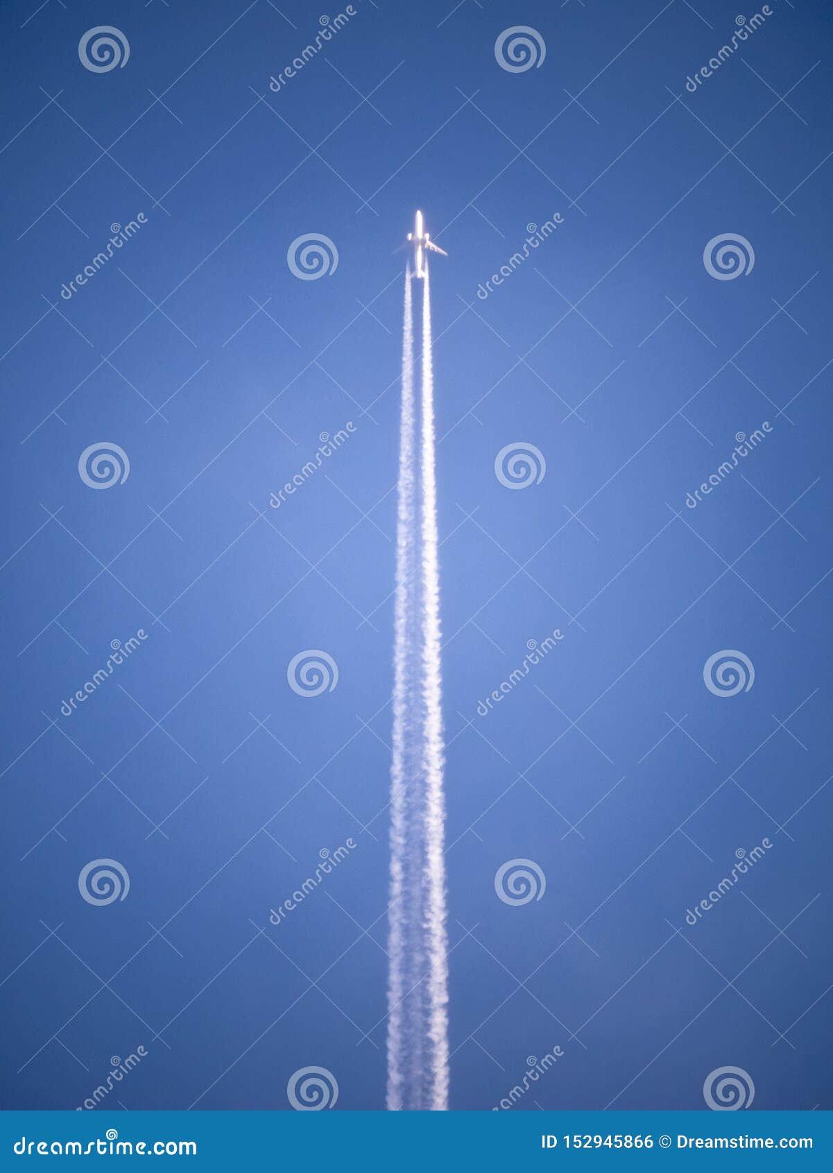 Aeroplano en el aire