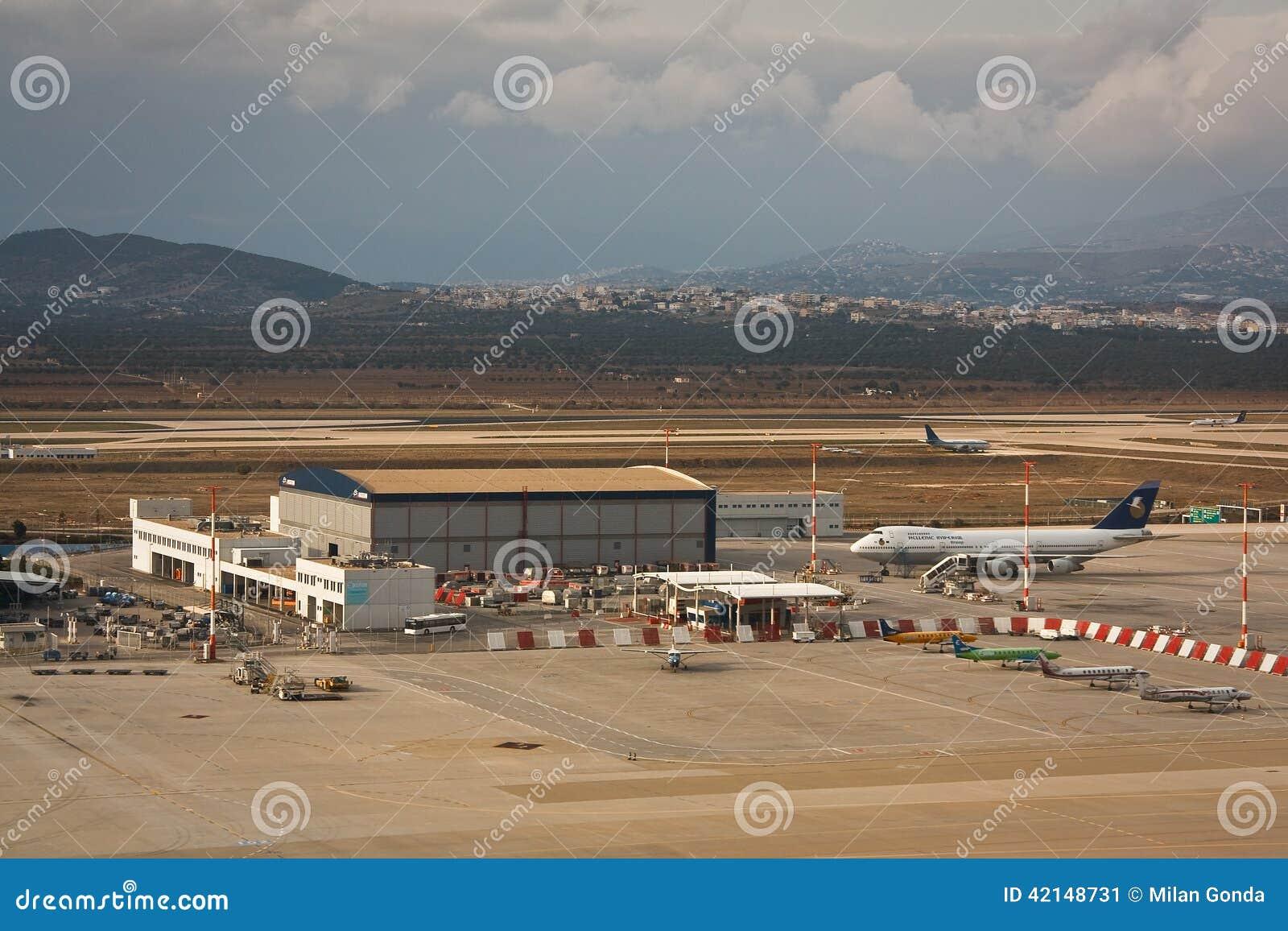 Aeroporto Atene : Aeroporto a atene grecia fotografia editoriale immagine