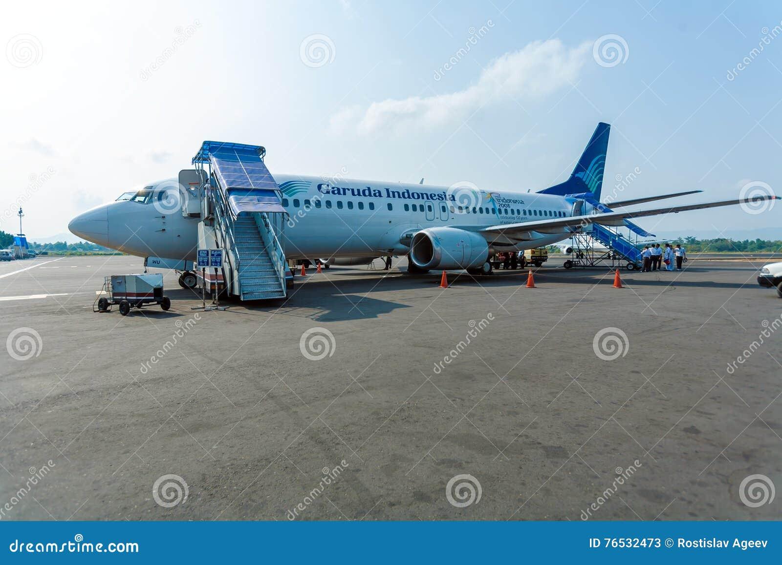 Aeroporto Bali : Aeroporto de bali indonÉsia de agosto de avião de