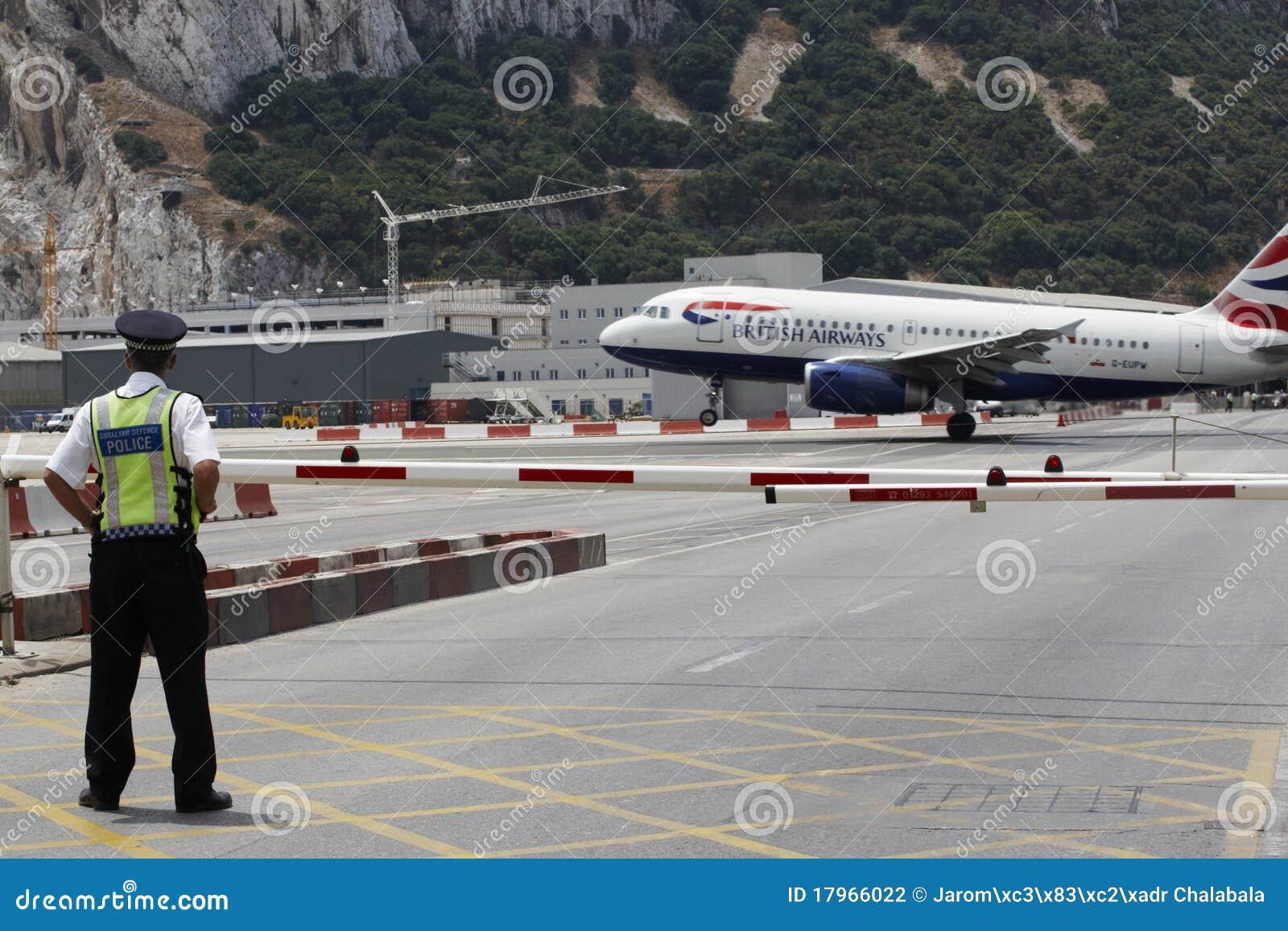 Aeroporto Gibilterra : Aeroporto della gibilterra fotografia editoriale immagine