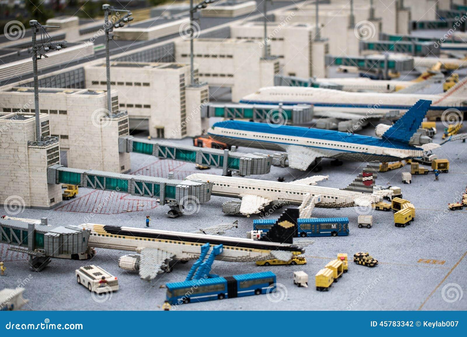 Aeroporto Lego : Aeroporto di configurazione di monaco di baviera in atmosfera di