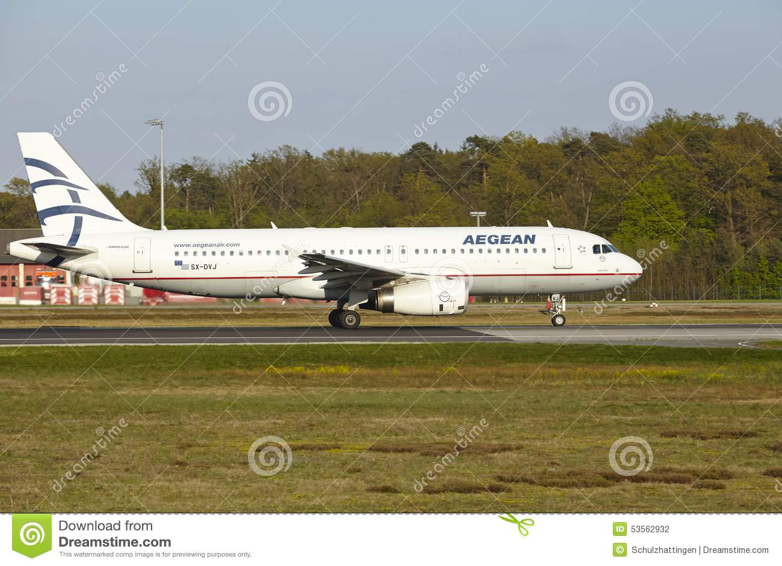Aeroporto di Francoforte - Airbus A320 di Aegean Airlines decolla