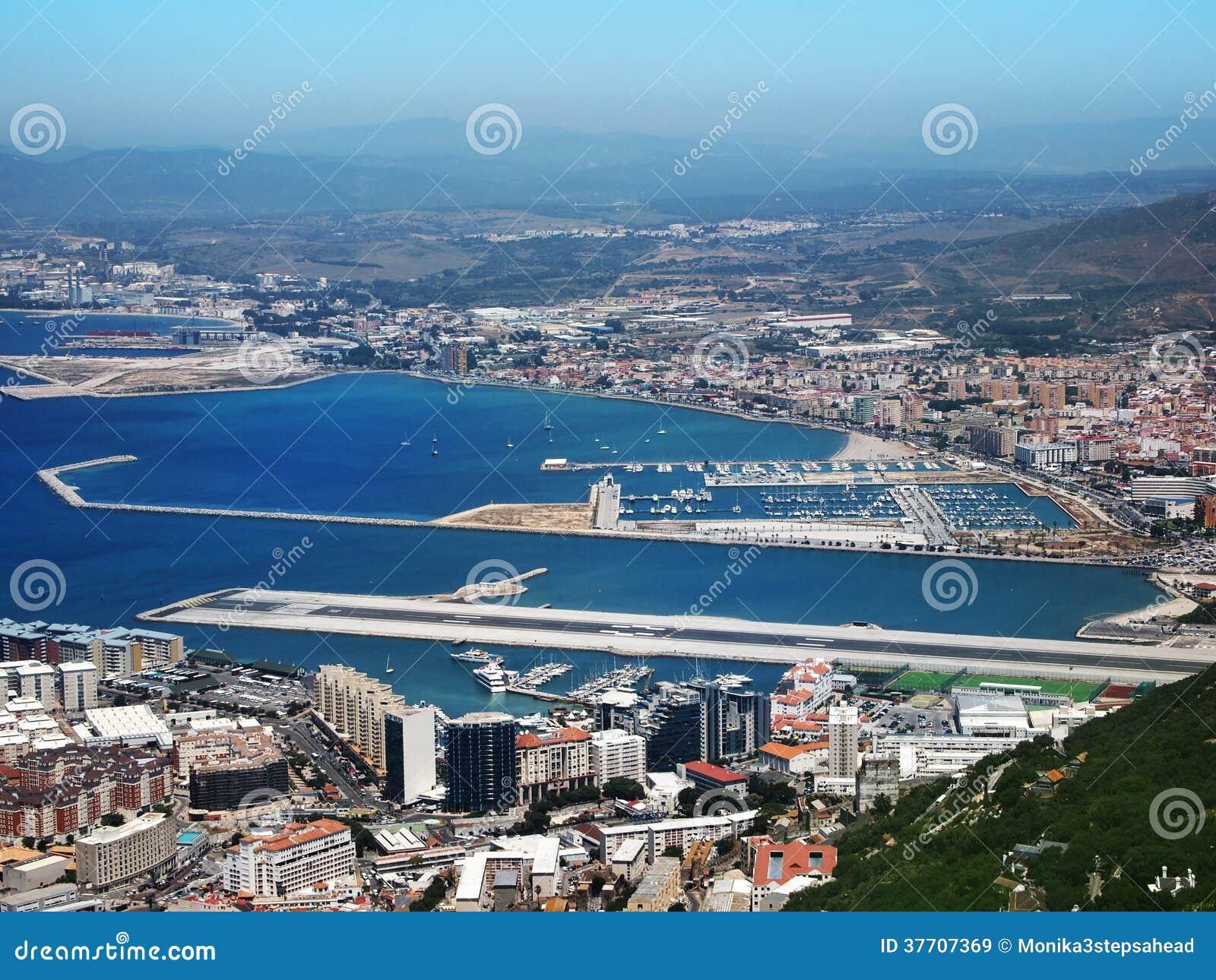 Aeroporto Gibilterra : Aeroporto di gibilterra immagine stock mare