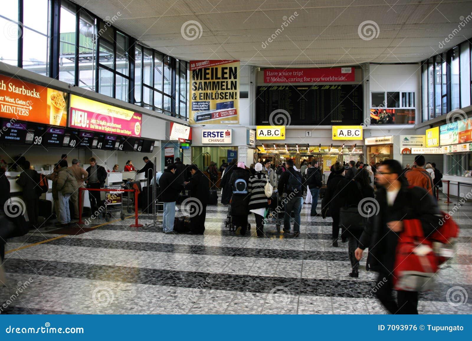 Aeroporto Vienna : Aeroporto di vienna fotografia editoriale immagine