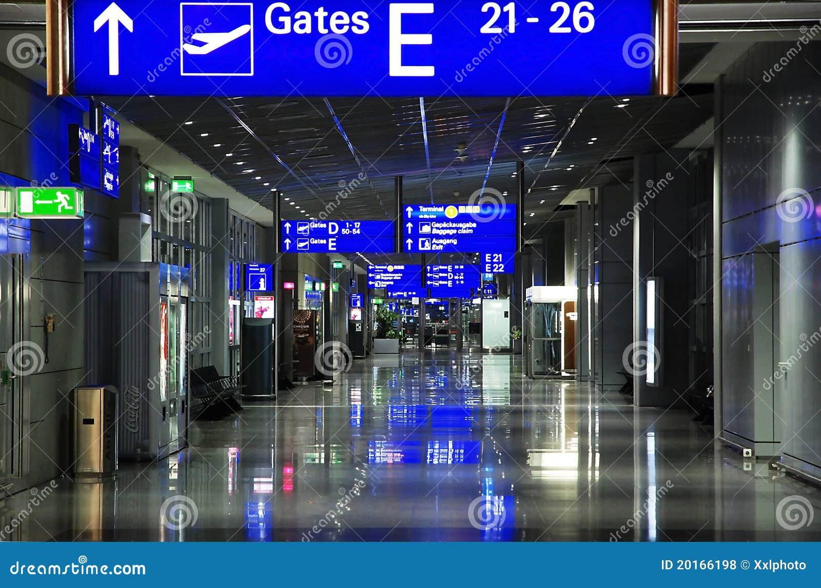 Aeroporto Germania : Aeroporto francoforte main germania fotografia stock