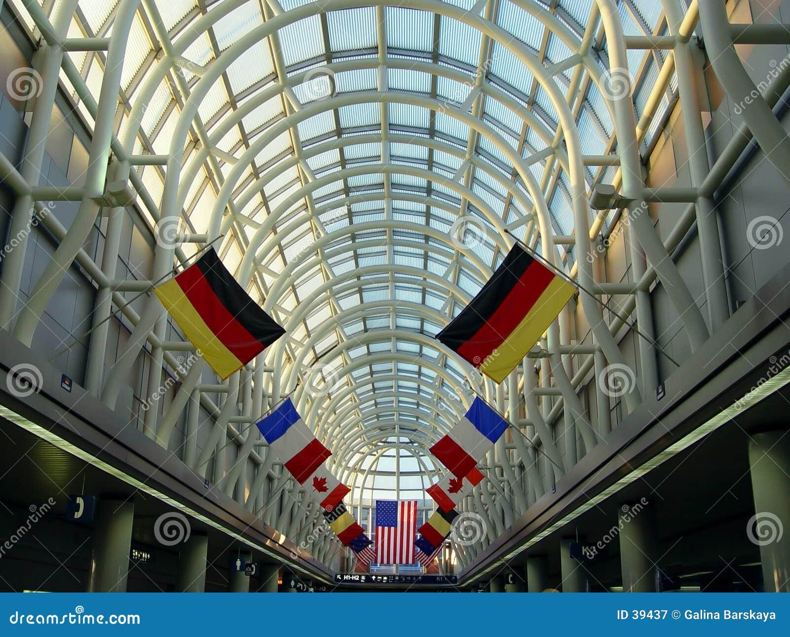 Download Aeropuerto en Chicago imagen de archivo. Imagen de edificio - 39437