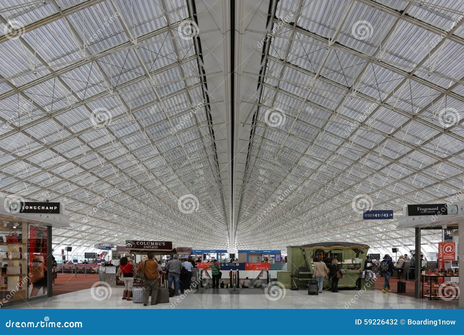 Aeropuerto terminal de París Charles de Gaulle CDG