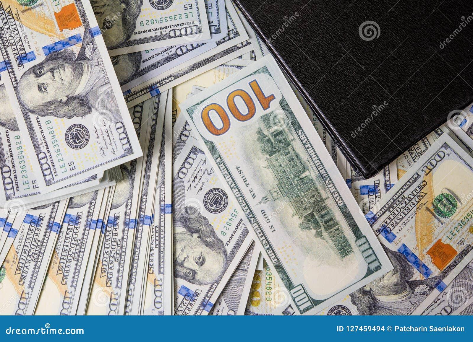 Affärsdiagram på finansiell rapporter, dollar och affärsdiameter