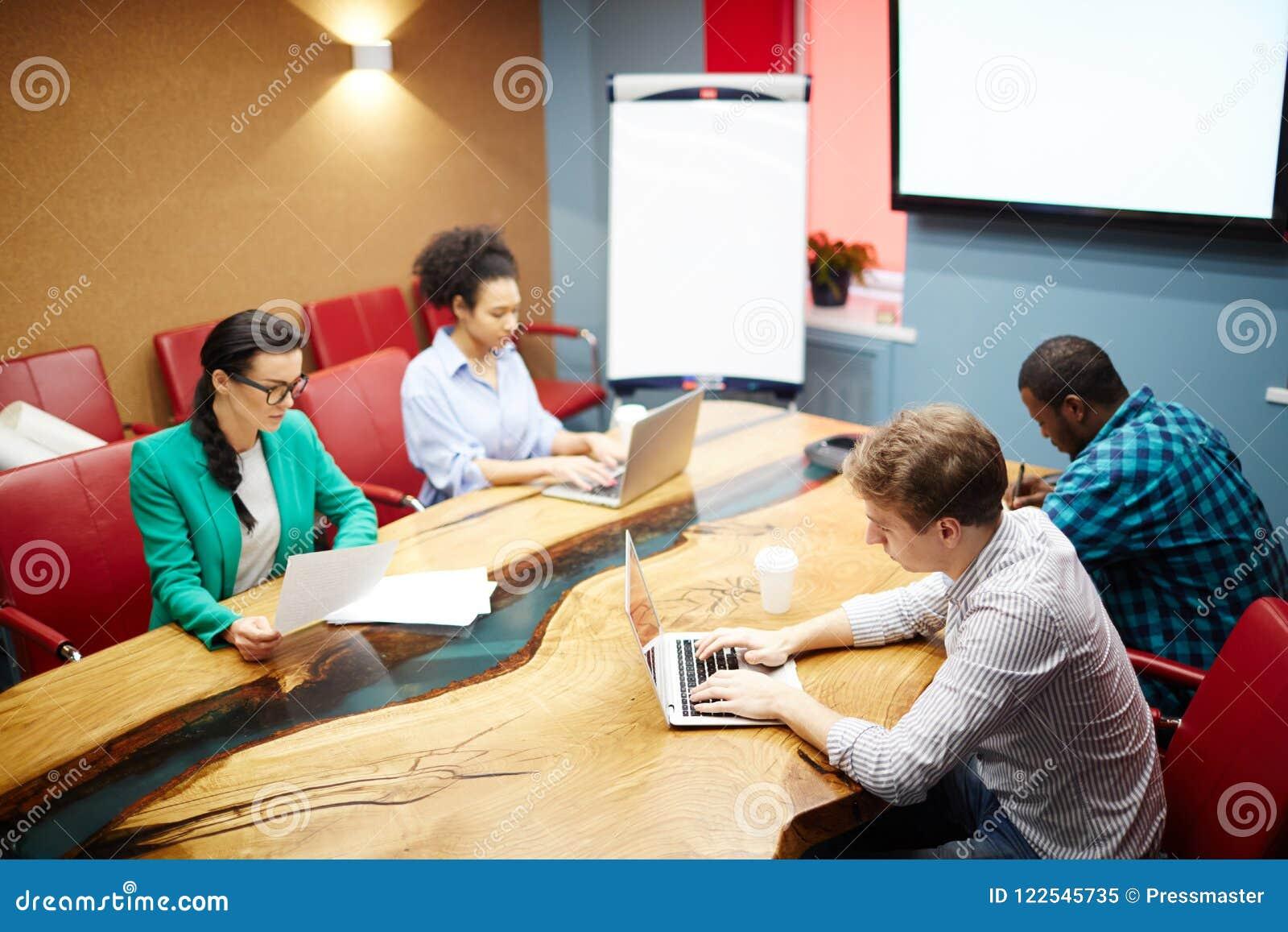 Affärsfolk på styrelsen