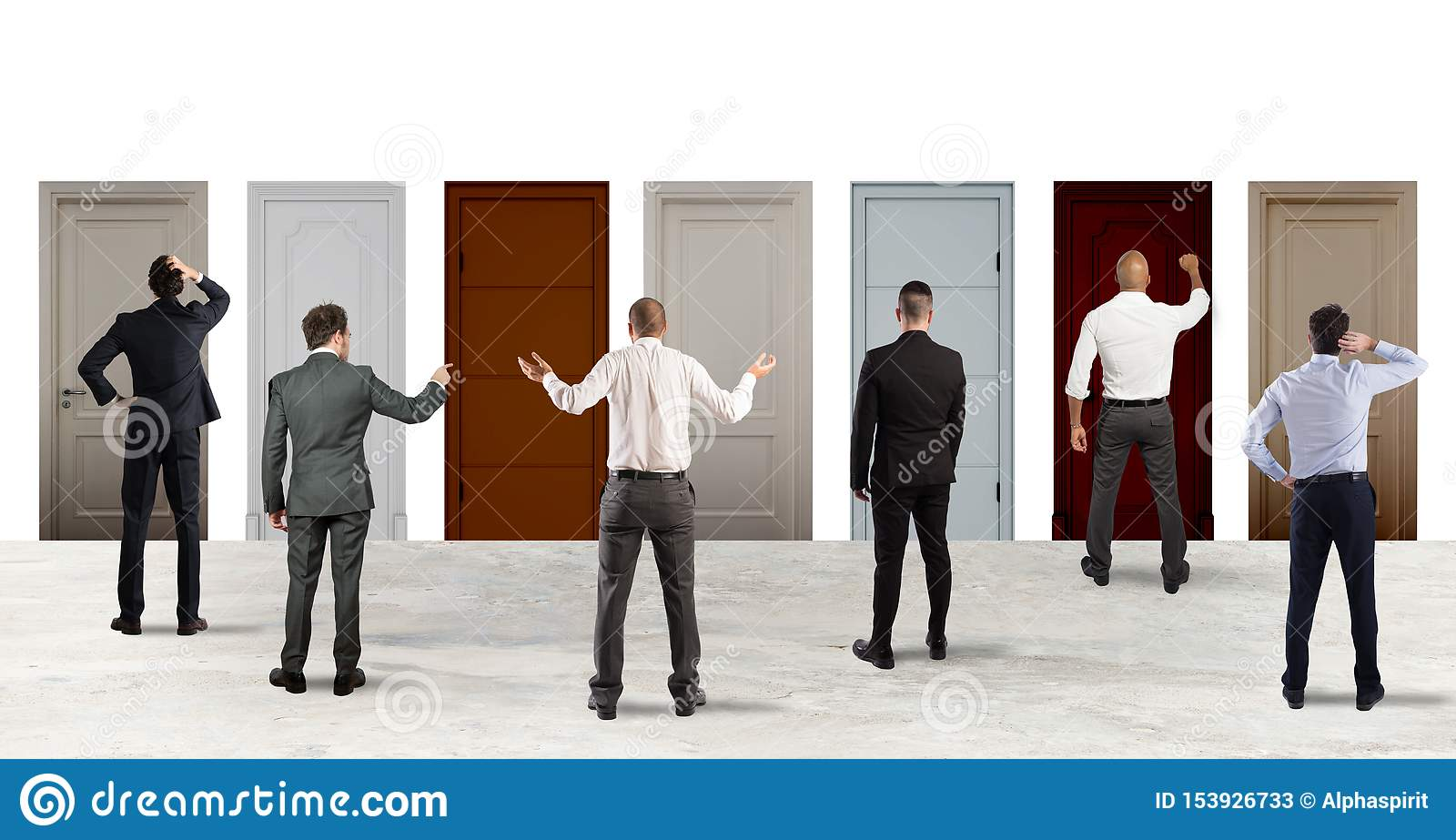 Affärsfolk som ser för att välja den högra dörren Begrepp av förvirring och konkurrens