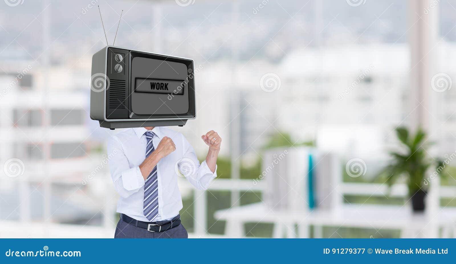 Affärsman med TV på det head anseendet i stridighetställing