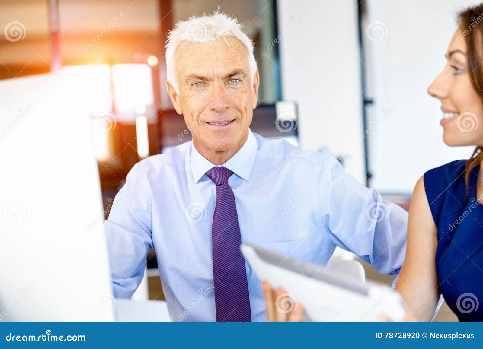 Affärsman på kontoret