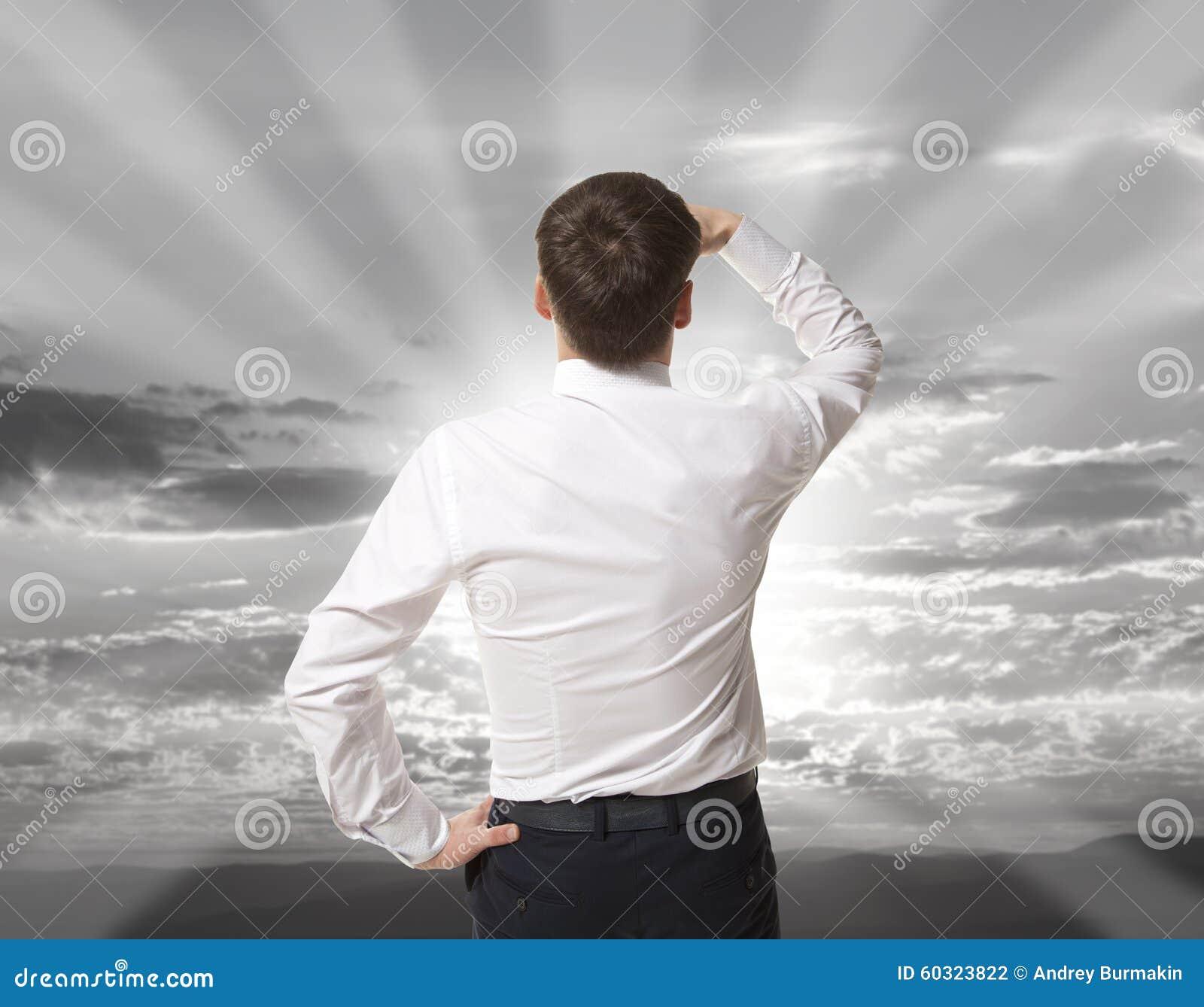Affärsman som purposefully bort ser