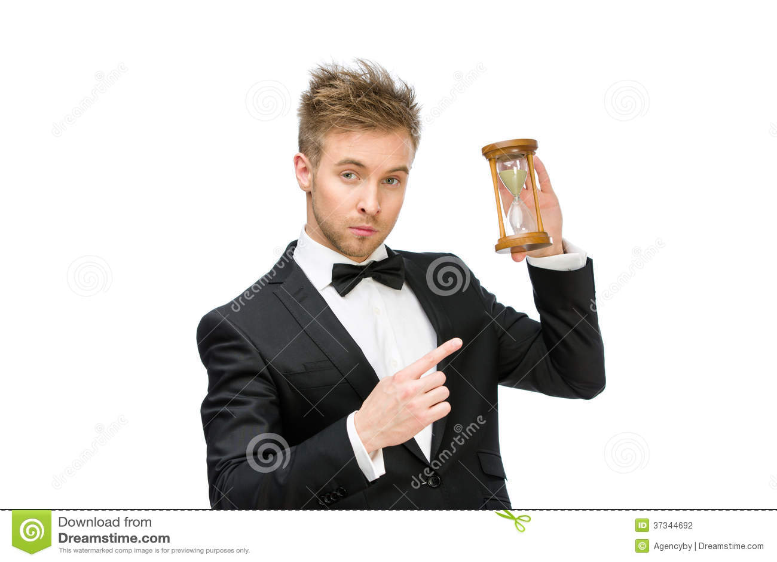 Affärsman som räcker och pekar på sandexponeringsglas