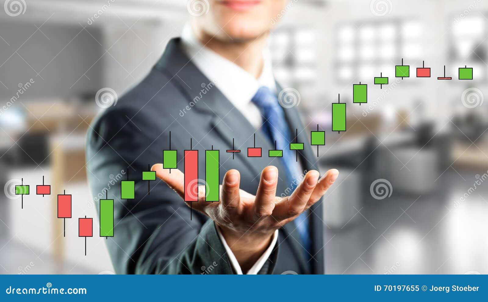 Affärsman som rymmer ett faktiskt aktiekursdiagram