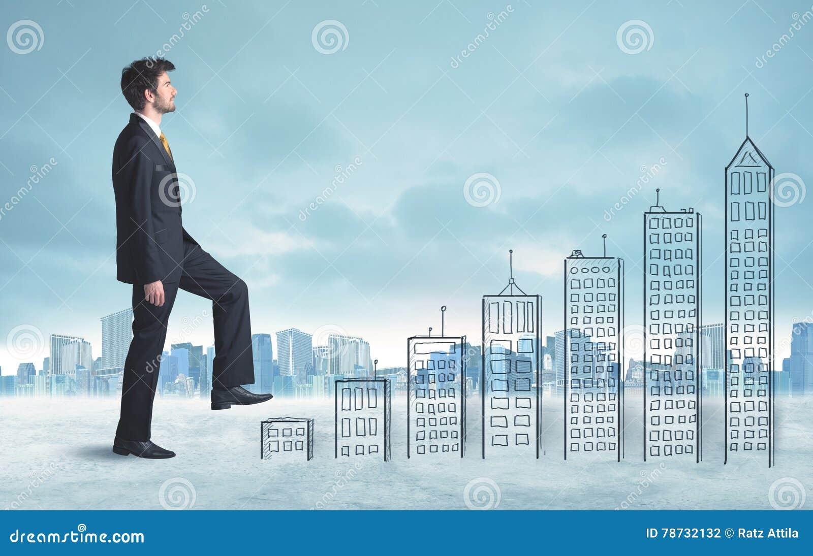 Affärsman som upp förestående klättrar drog byggnader i stad