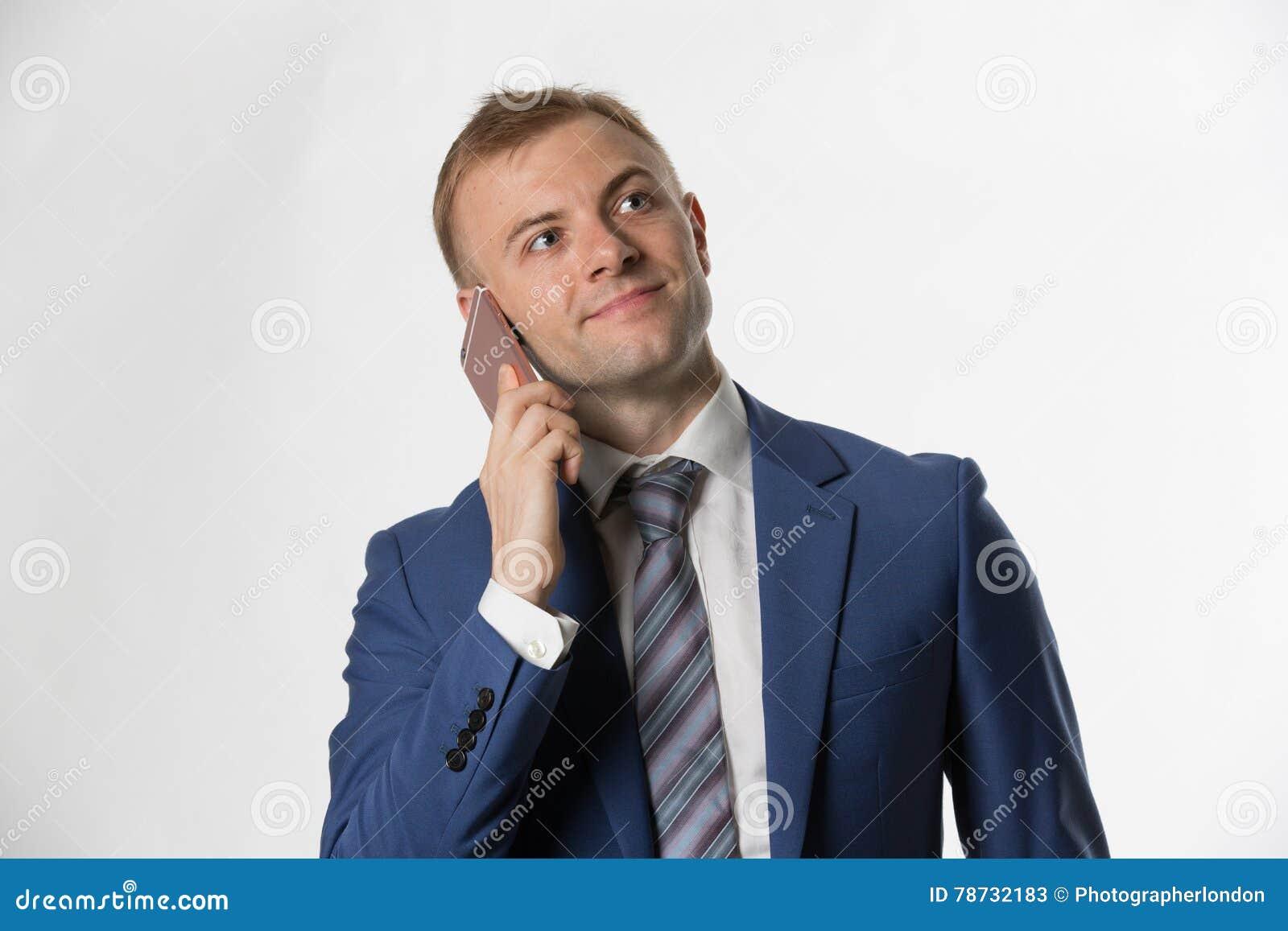 Affärsmandanandeappell på mobiltelefonen