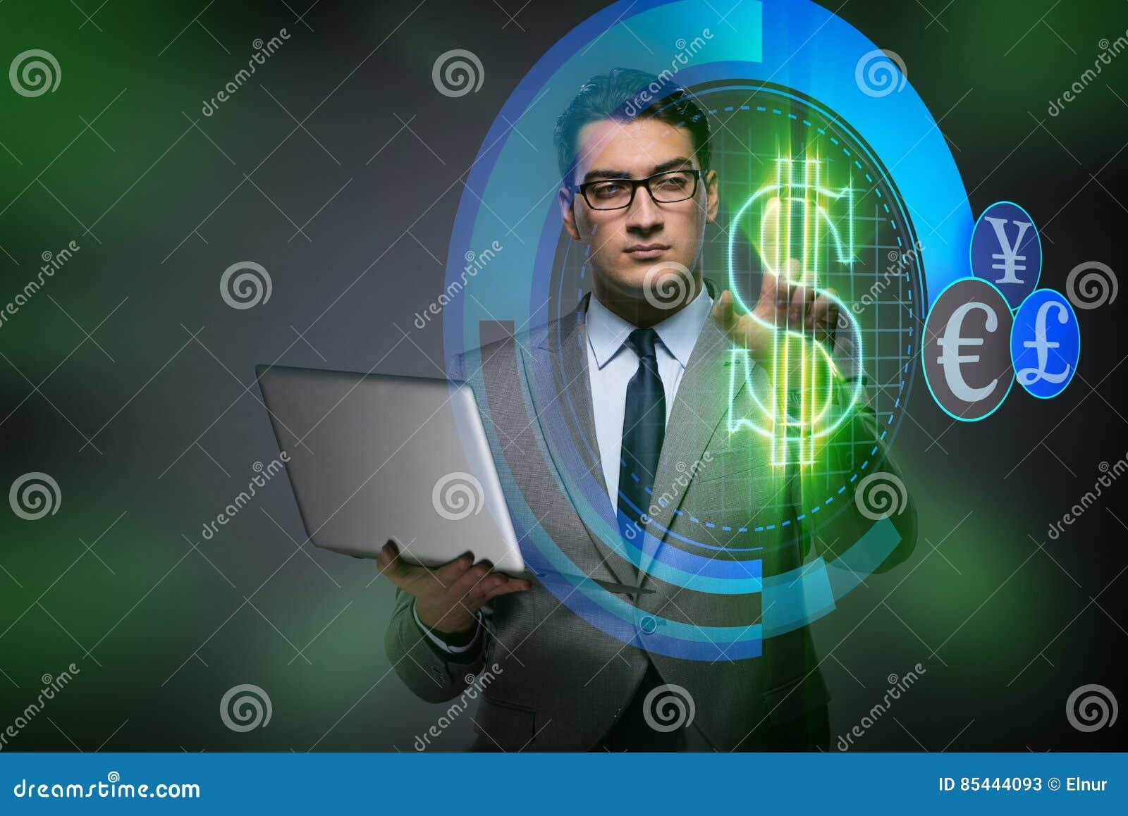 Affärsmannen i online-begrepp för valutahandel