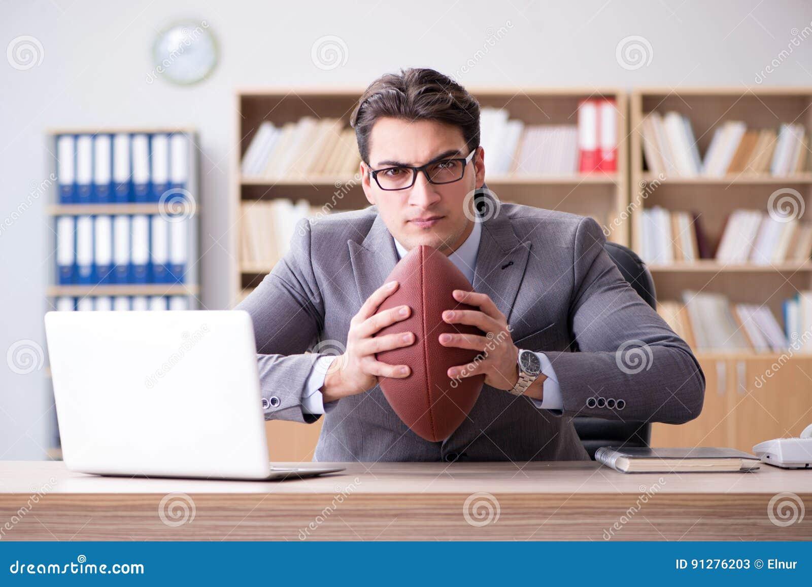 Affärsmannen med amerikansk fotboll i regeringsställning