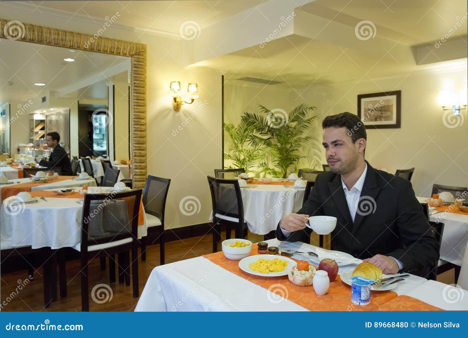 Affärsmantagandefrukost i hotell
