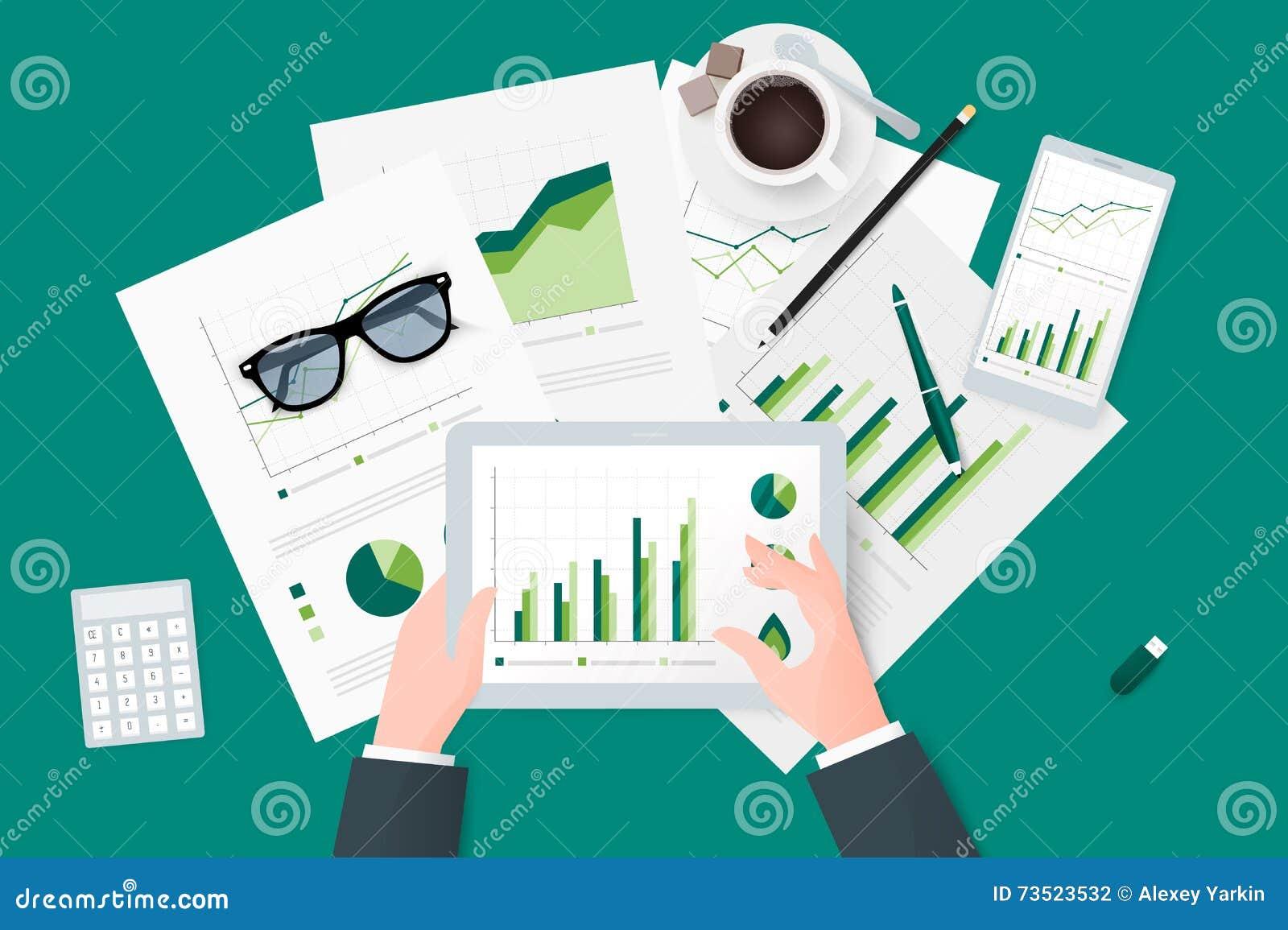 Affärsrapporter på det pappers- arket, modernt elektroniskt och mobila enheter