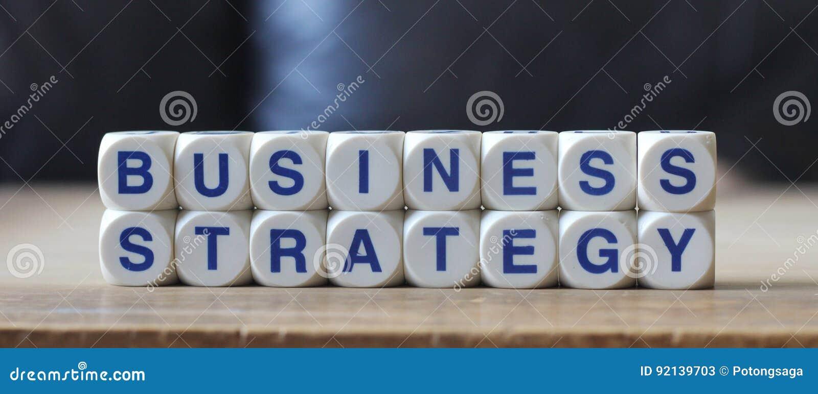 Affärsstrategi. Fokusen är endast på ordaffärsstrategin, i red. Andra ord är oskarpa