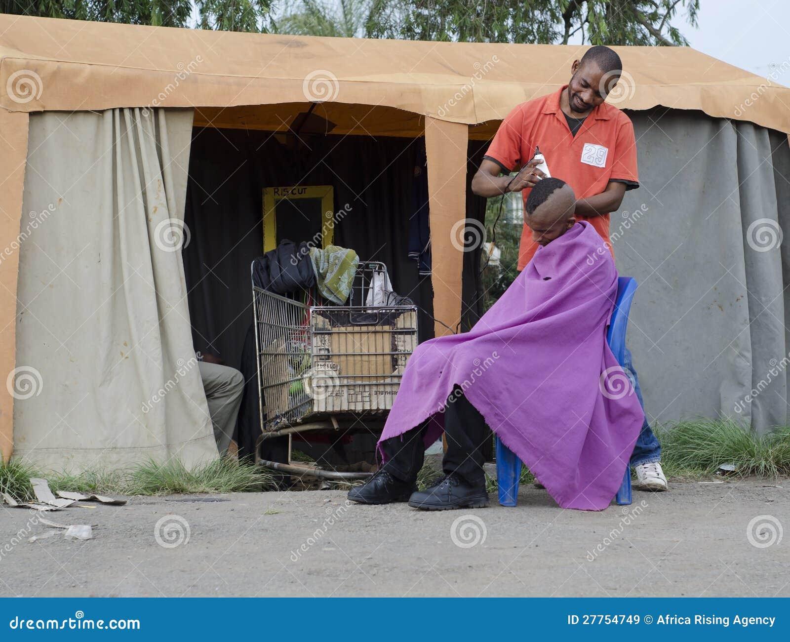 Affaires africaines de coiffeur de coupe