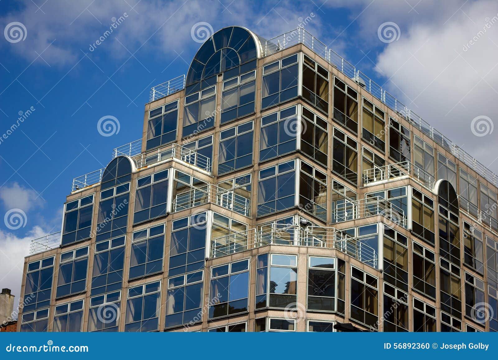 Affare moderno e costruzione al minuto Deansgate, Manchester