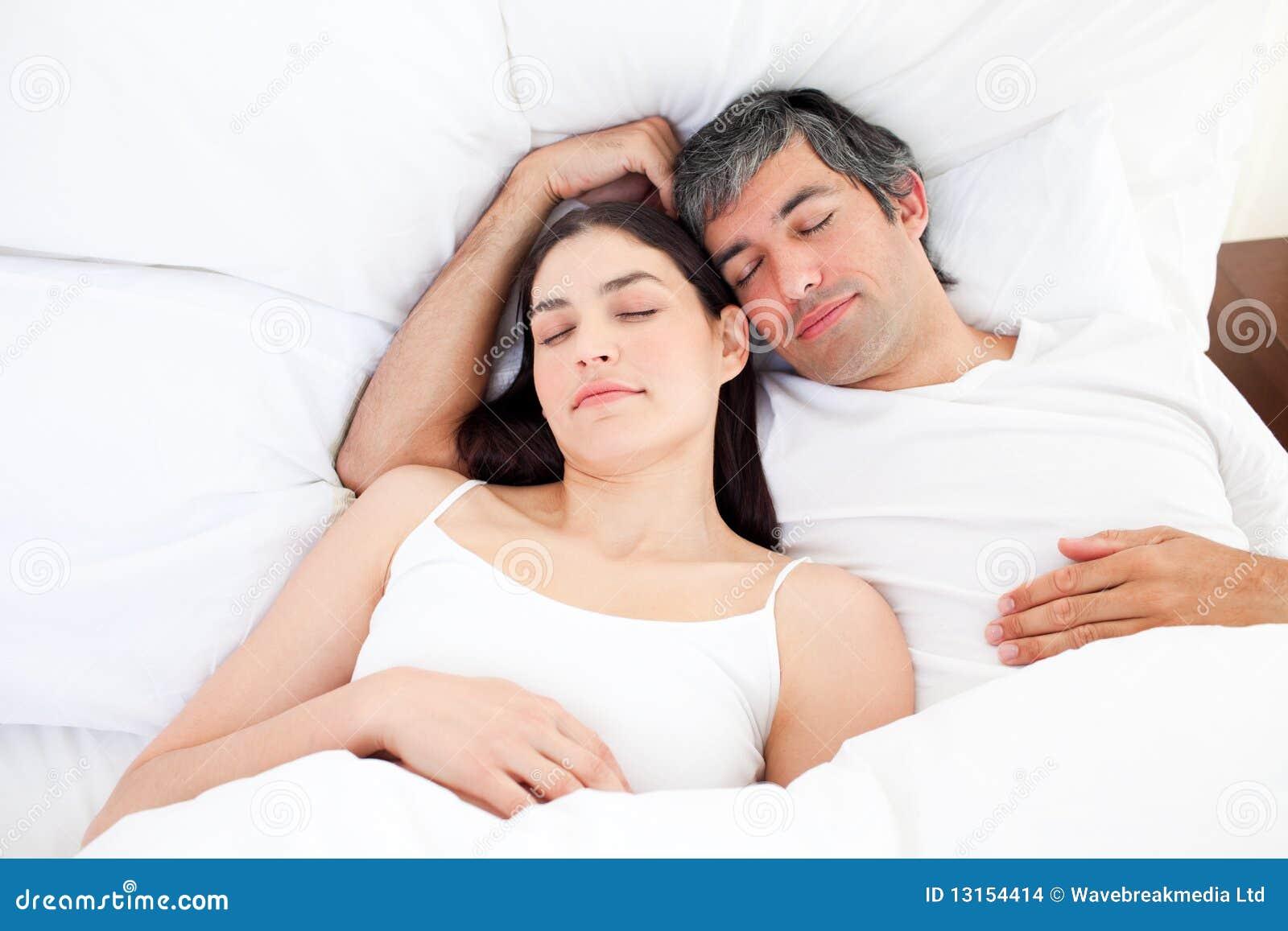 Спящая жена и подросток 20 фотография