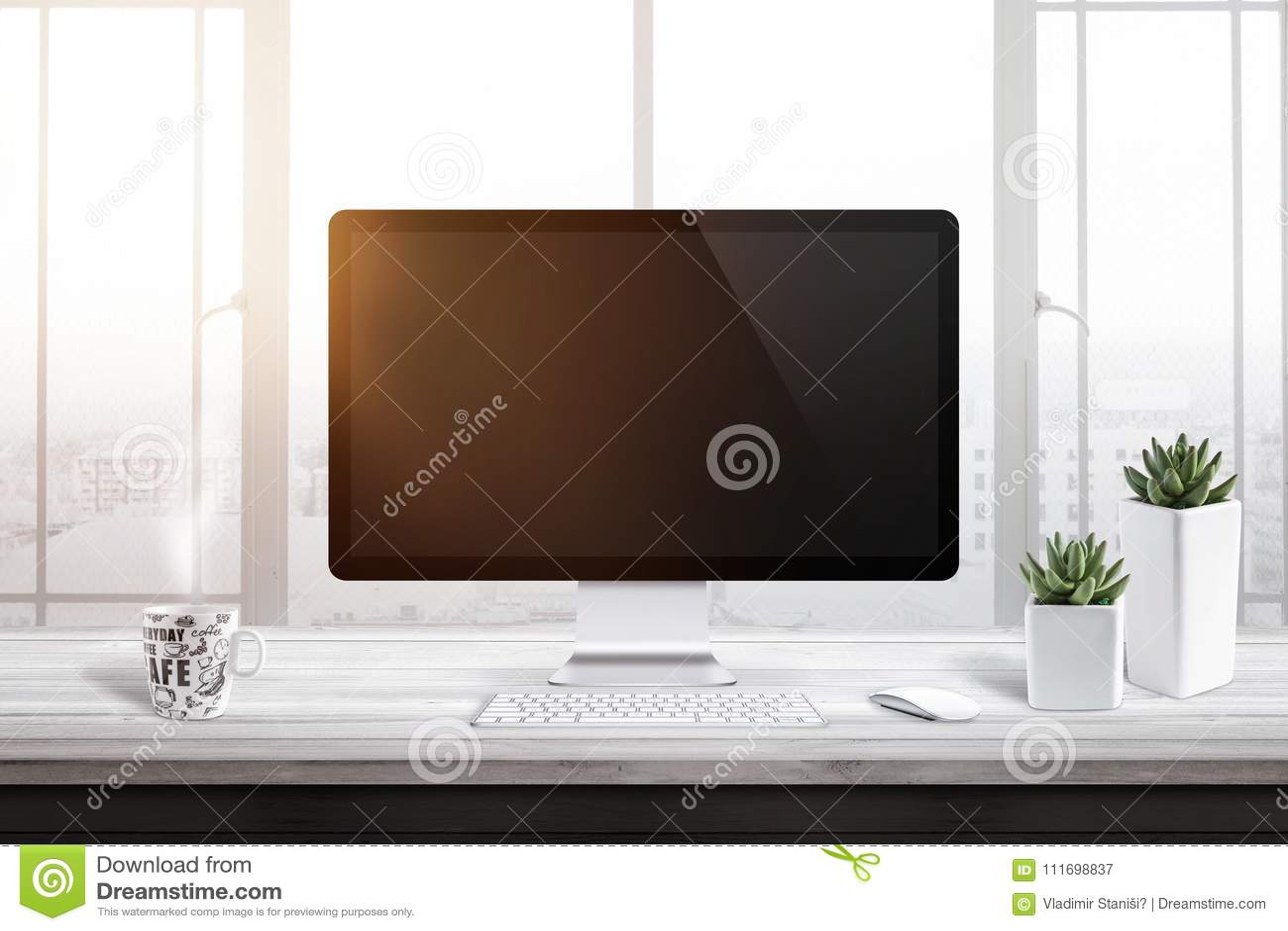 Affichage d ordinateur avec l écran vide pour la maquette dans le