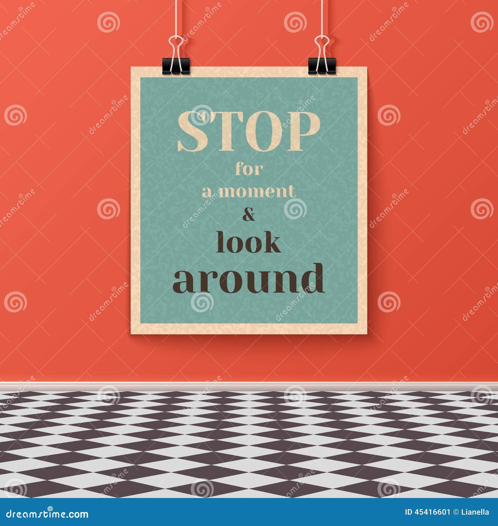 Affiche de motivation sur le mur dans la chambre avec le plancher carrelé