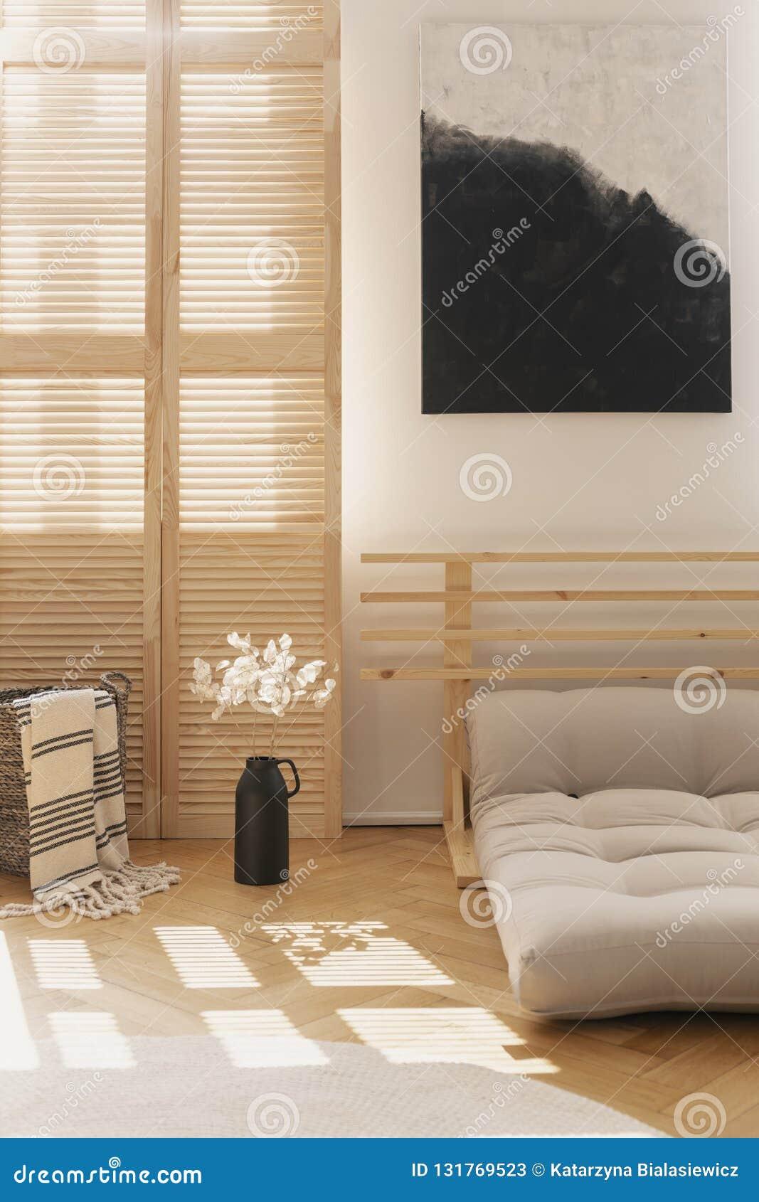 Affiche Noire Et Blanche Dans La Chambre A Coucher Naturelle