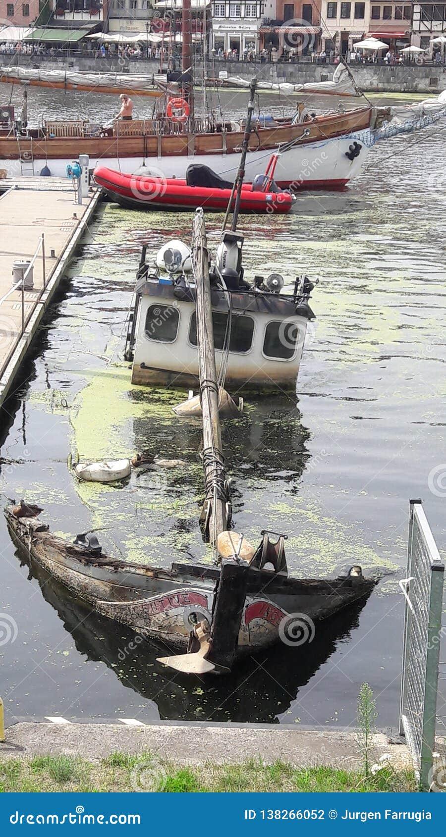 Affondamento della barca