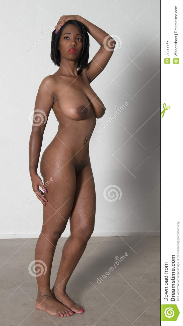 African Women Nudepic 107