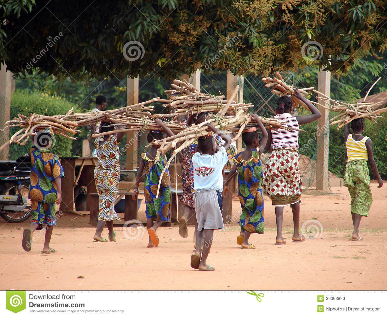 African Children At Work Editorial Image - Image: 36363890