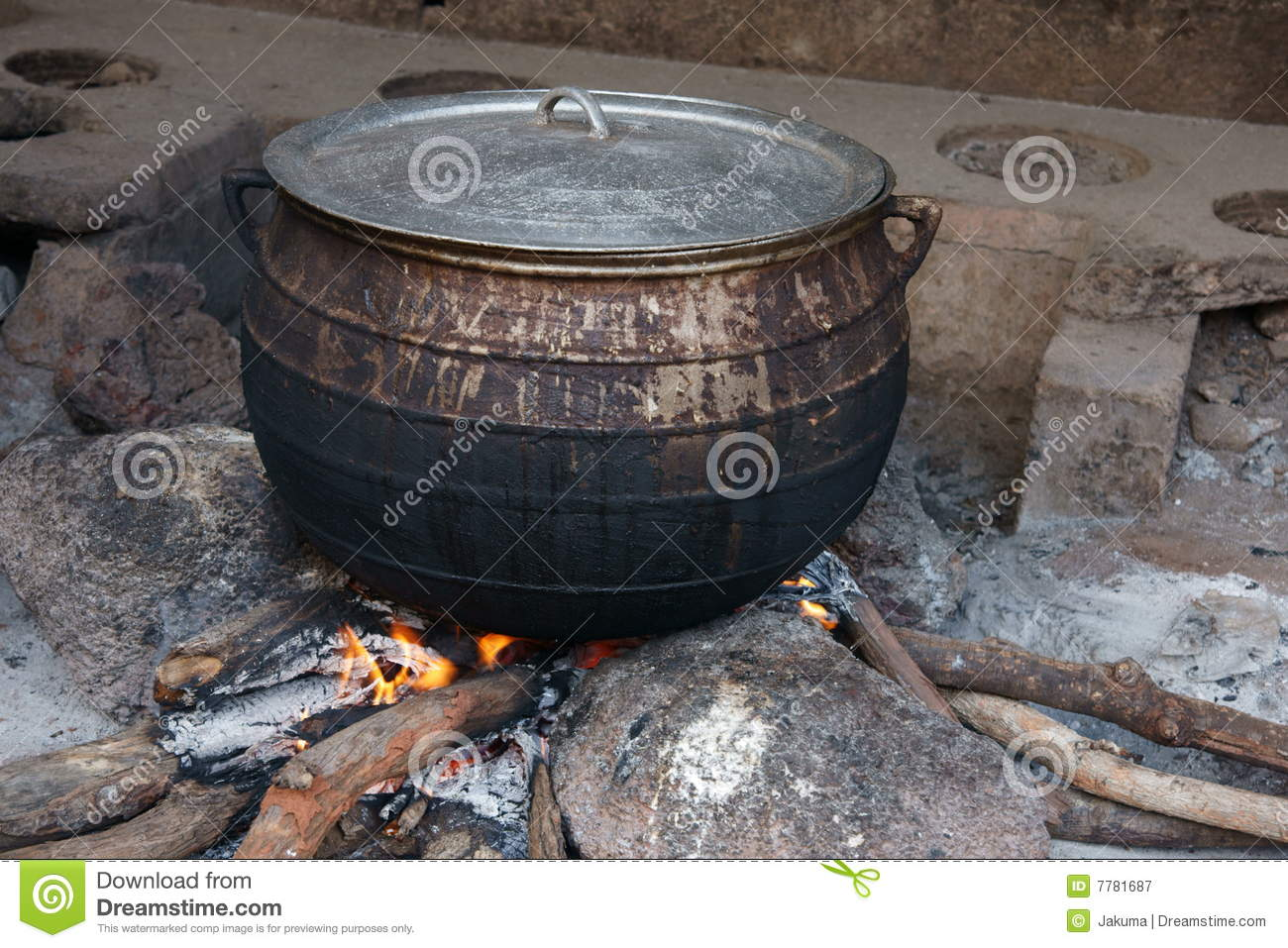 African cooking pot stock image image of west kitchen for Fire pots south africa