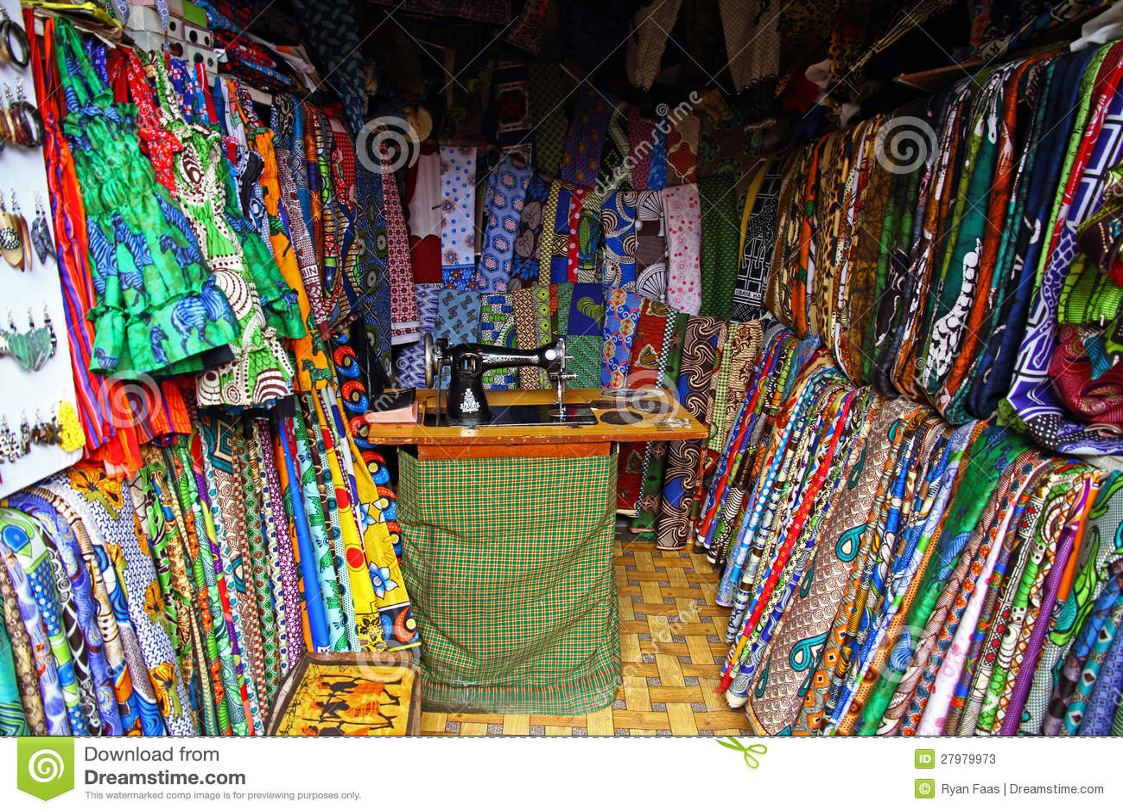 african fabric textile shop stock image image 27979973. Black Bedroom Furniture Sets. Home Design Ideas