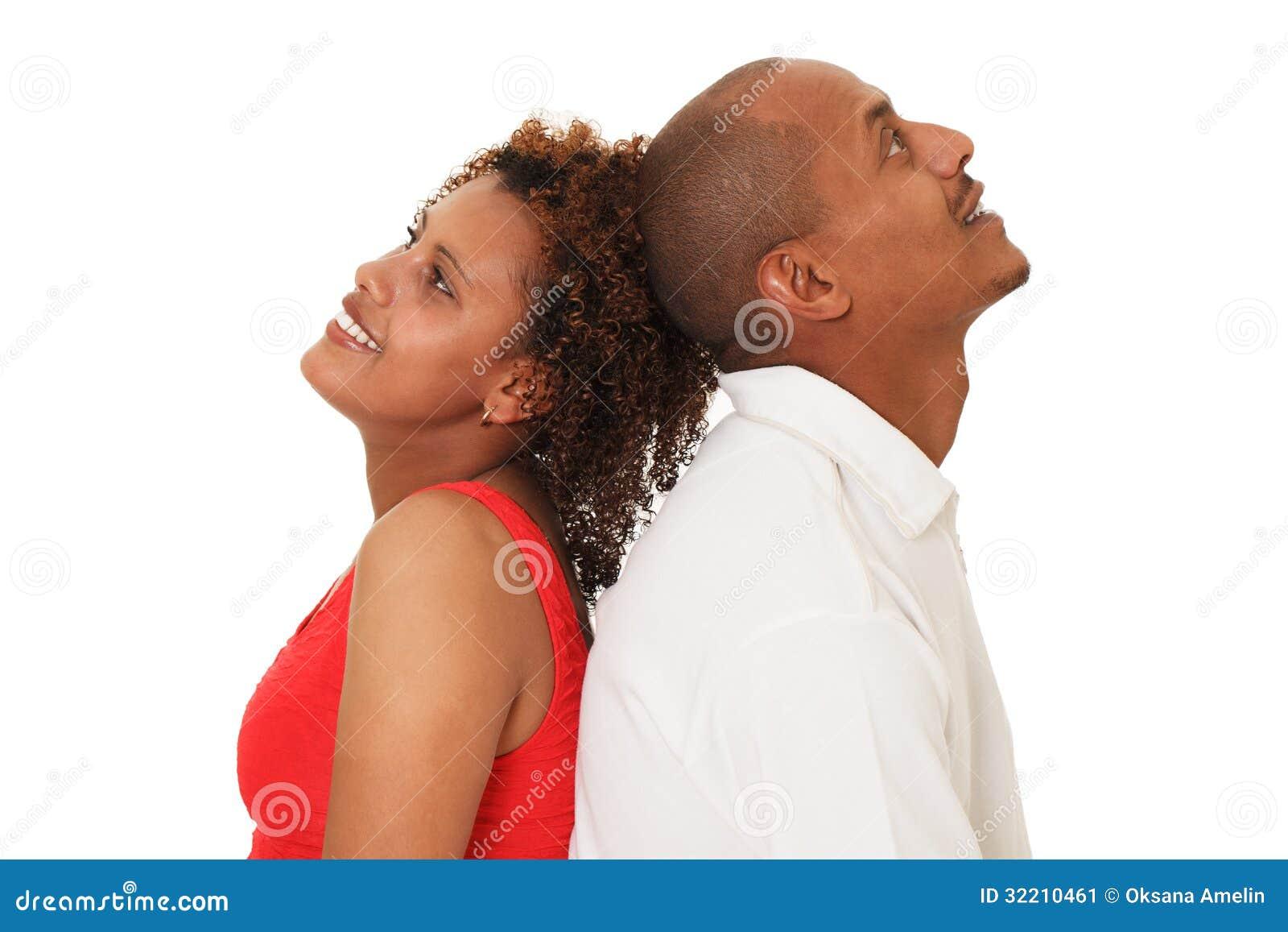 Afrikaans Amerikaans die Paar op Wit wordt geïsoleerd