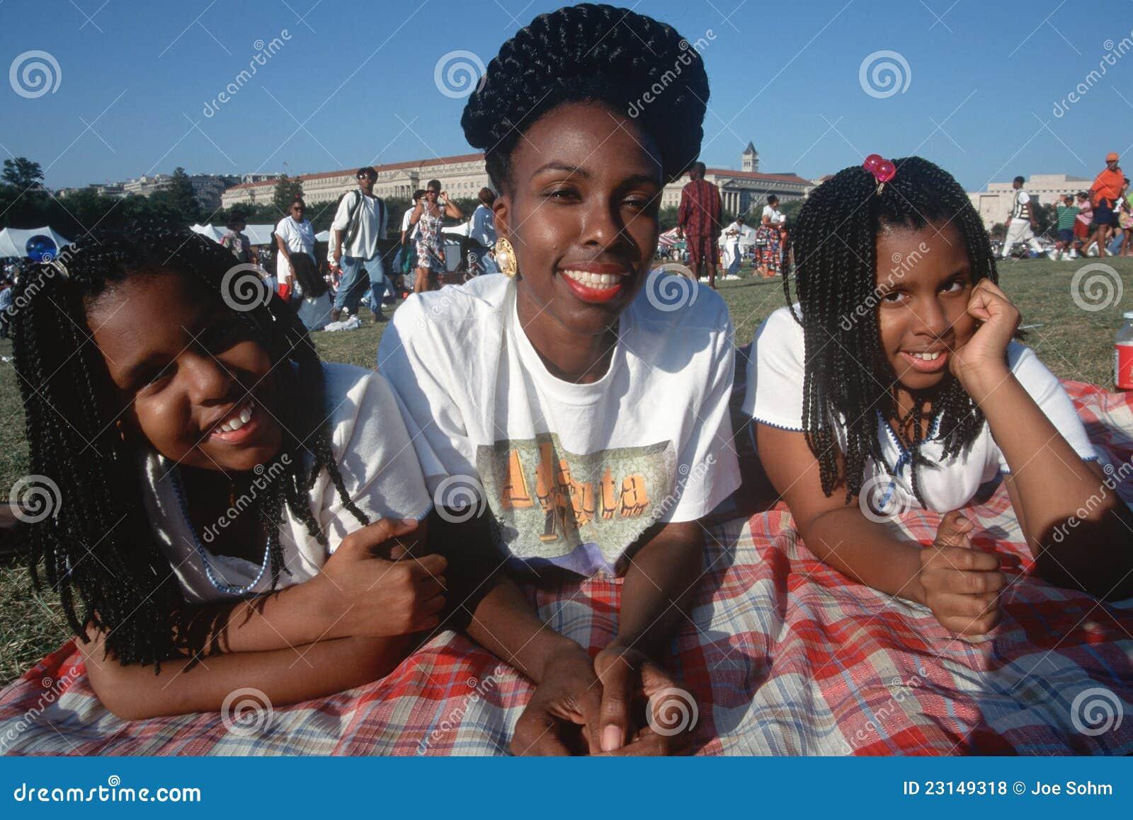 Afrikaanse Amerikaanse vrouw en haar dochters