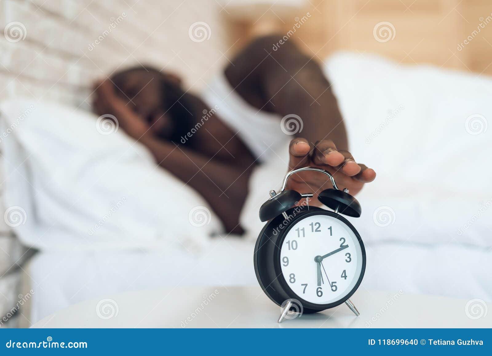Afrikansk amerikanmannen önskar inte att vakna upp