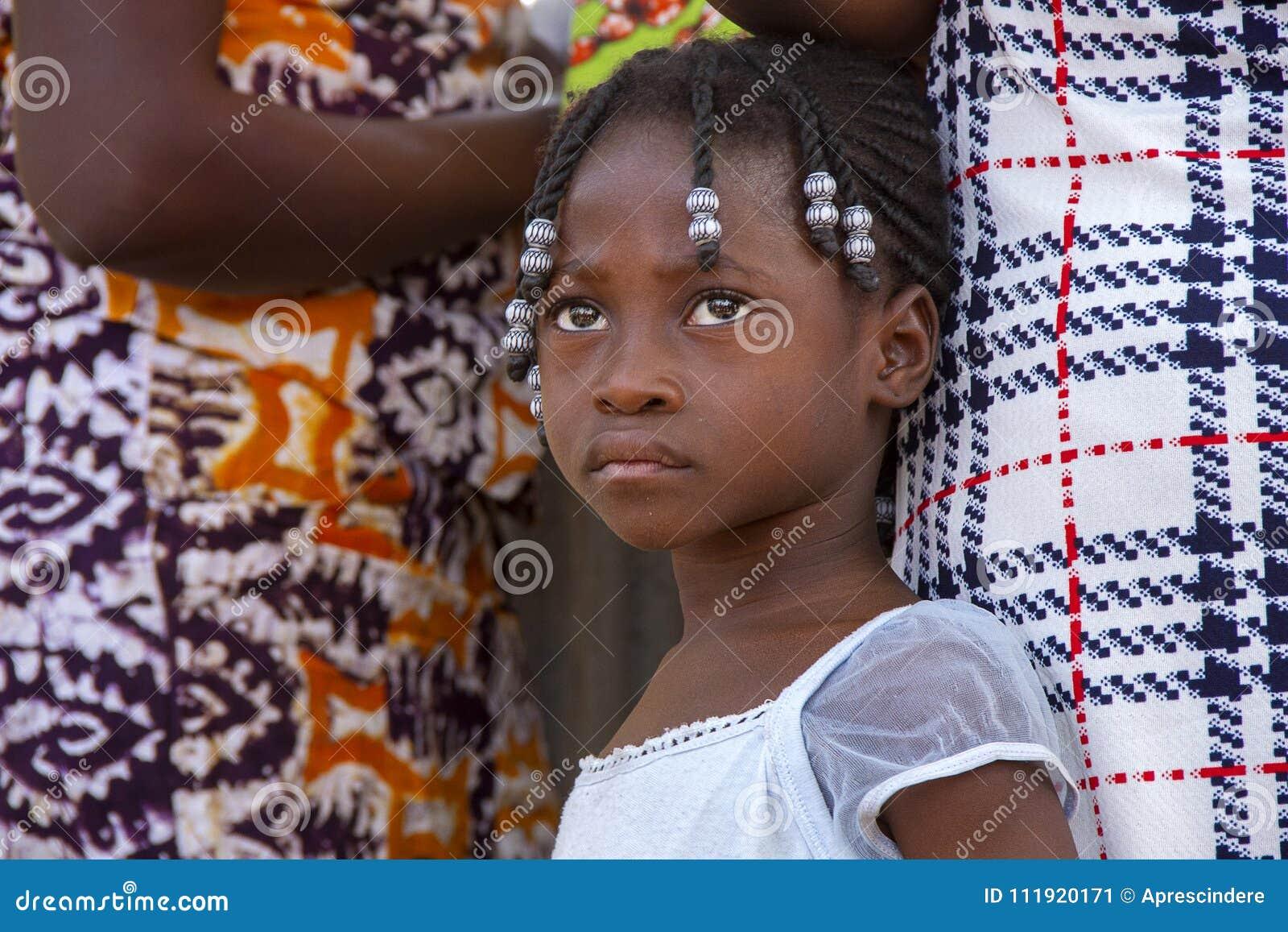 Afrikansk flicka i Ghana