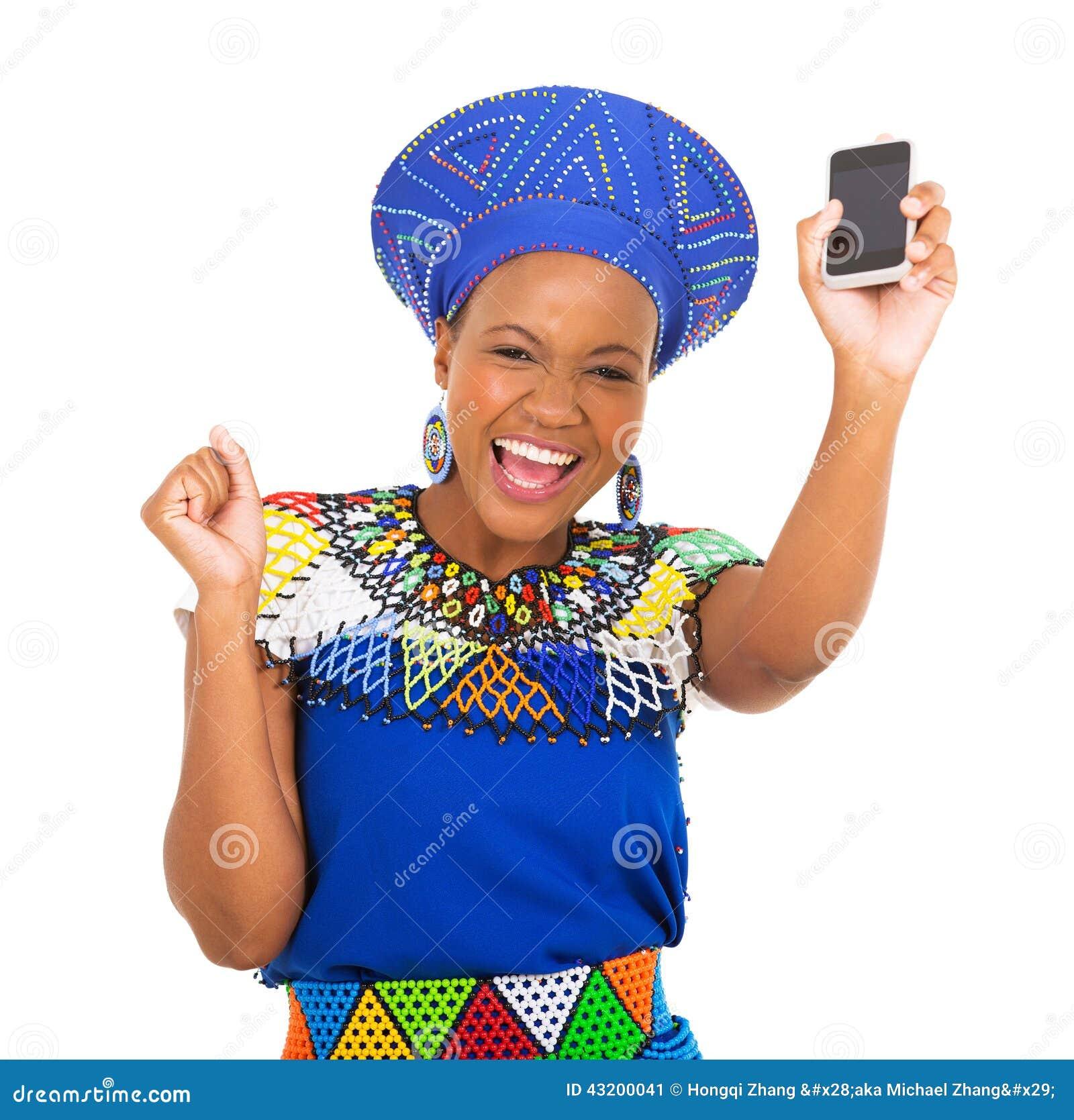 Download Afrikansk Kvinnamobiltelefon Fotografering för Bildbyråer - Bild av loft, härlig: 43200041