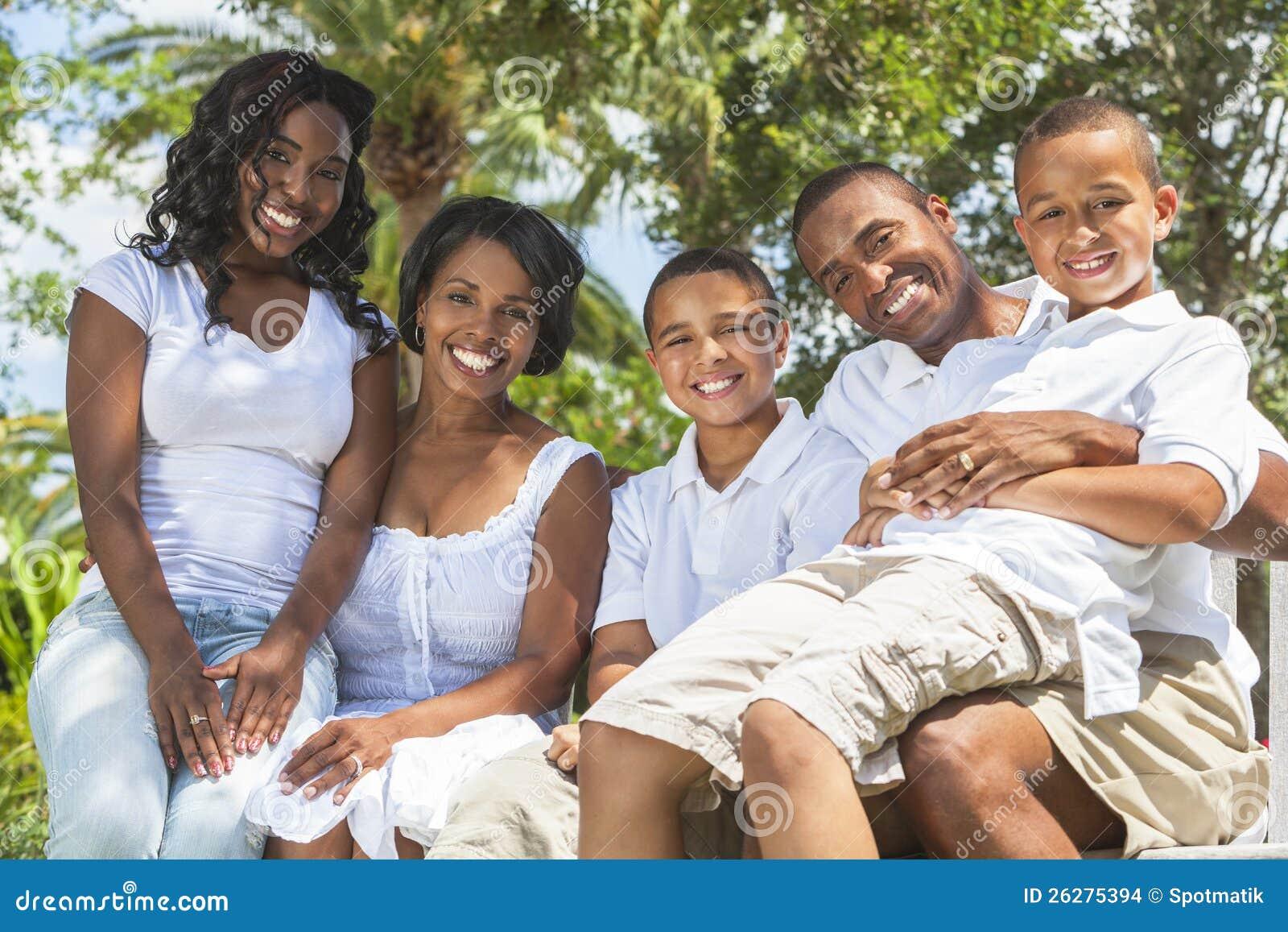 Afroamerikaner-Familien-Muttergesellschaft und Kinder