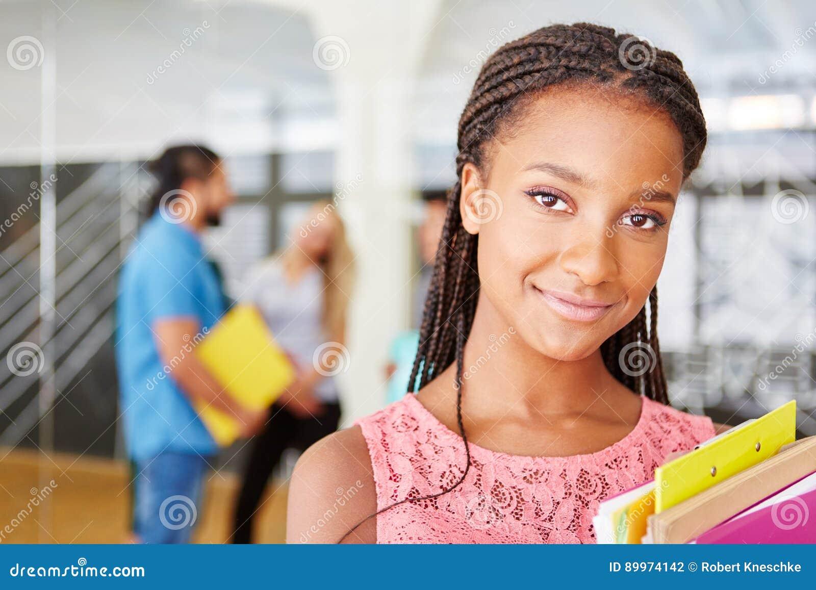 Afrykański uczeń jako biznesowa kobieta