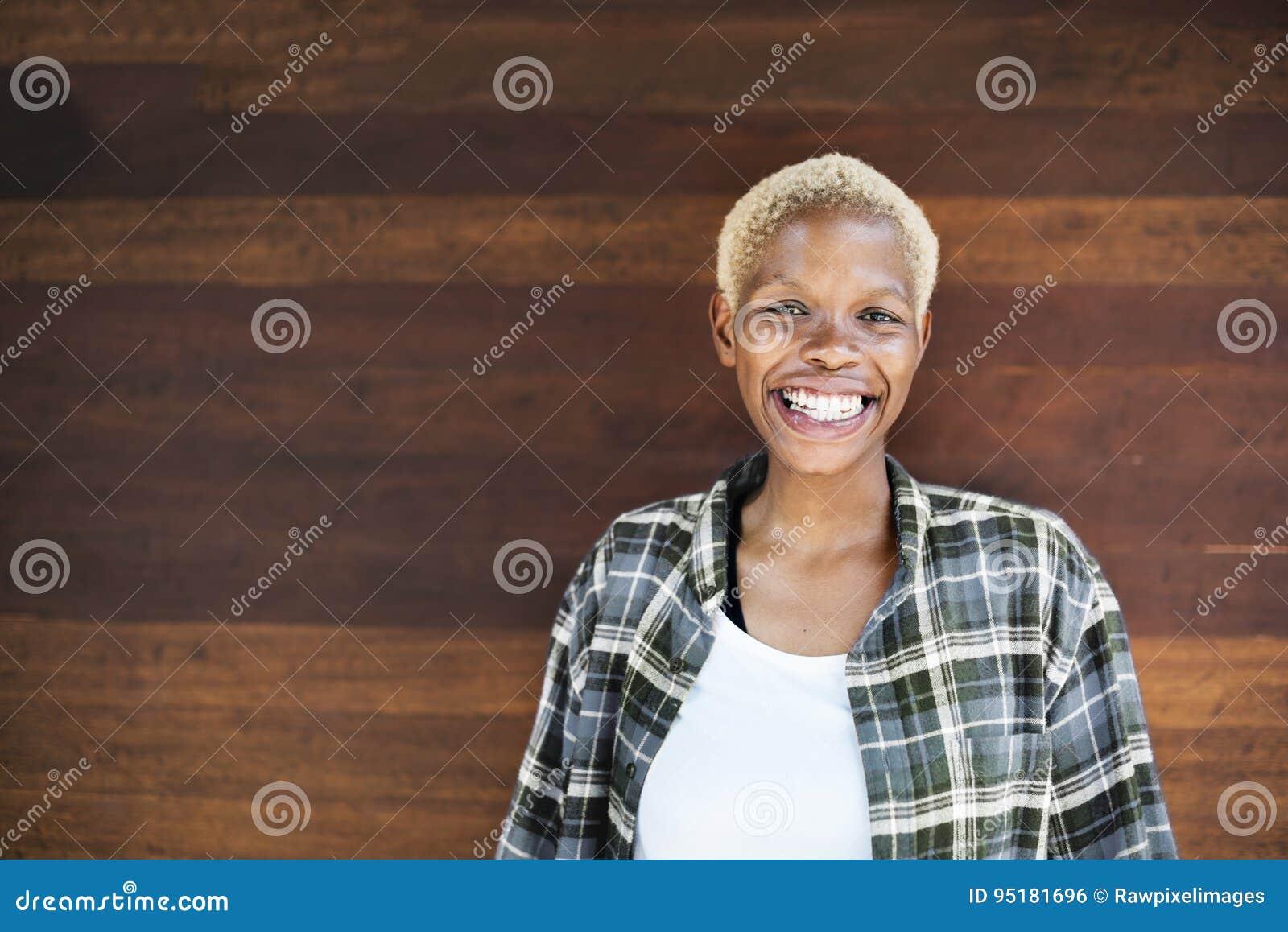 Spotyka się z afrykańską kobietą