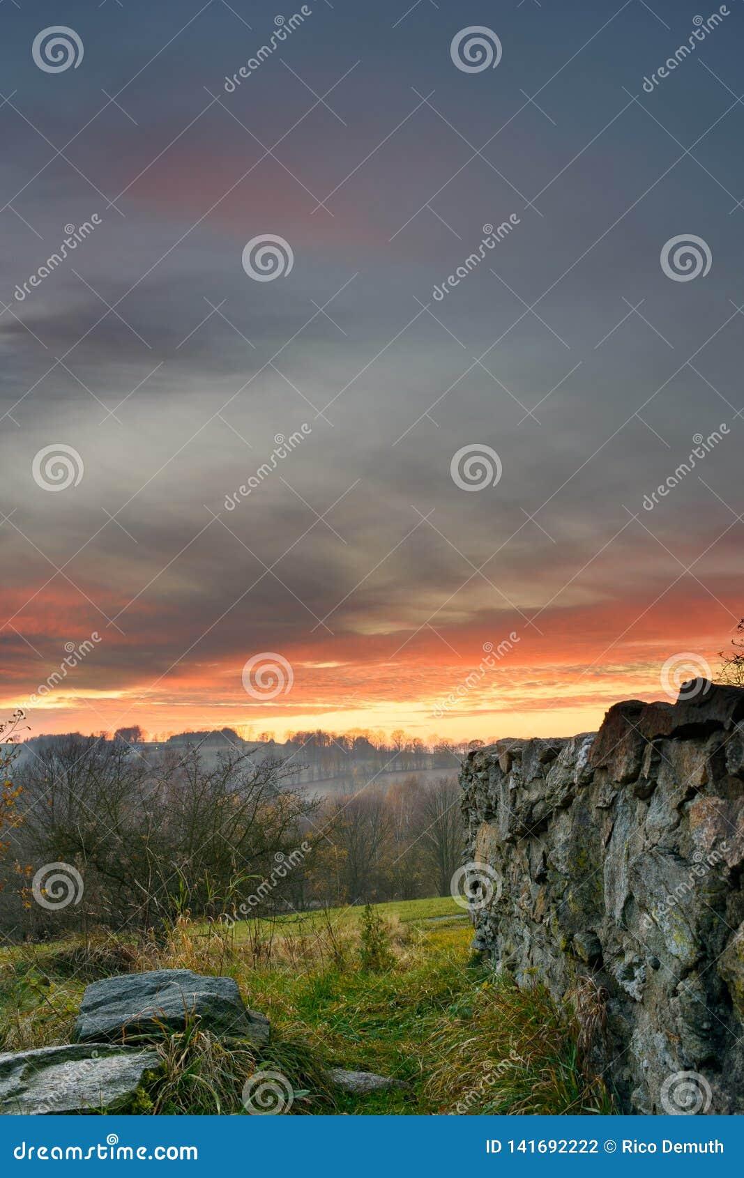 Aftonlynne i ruinsen-4