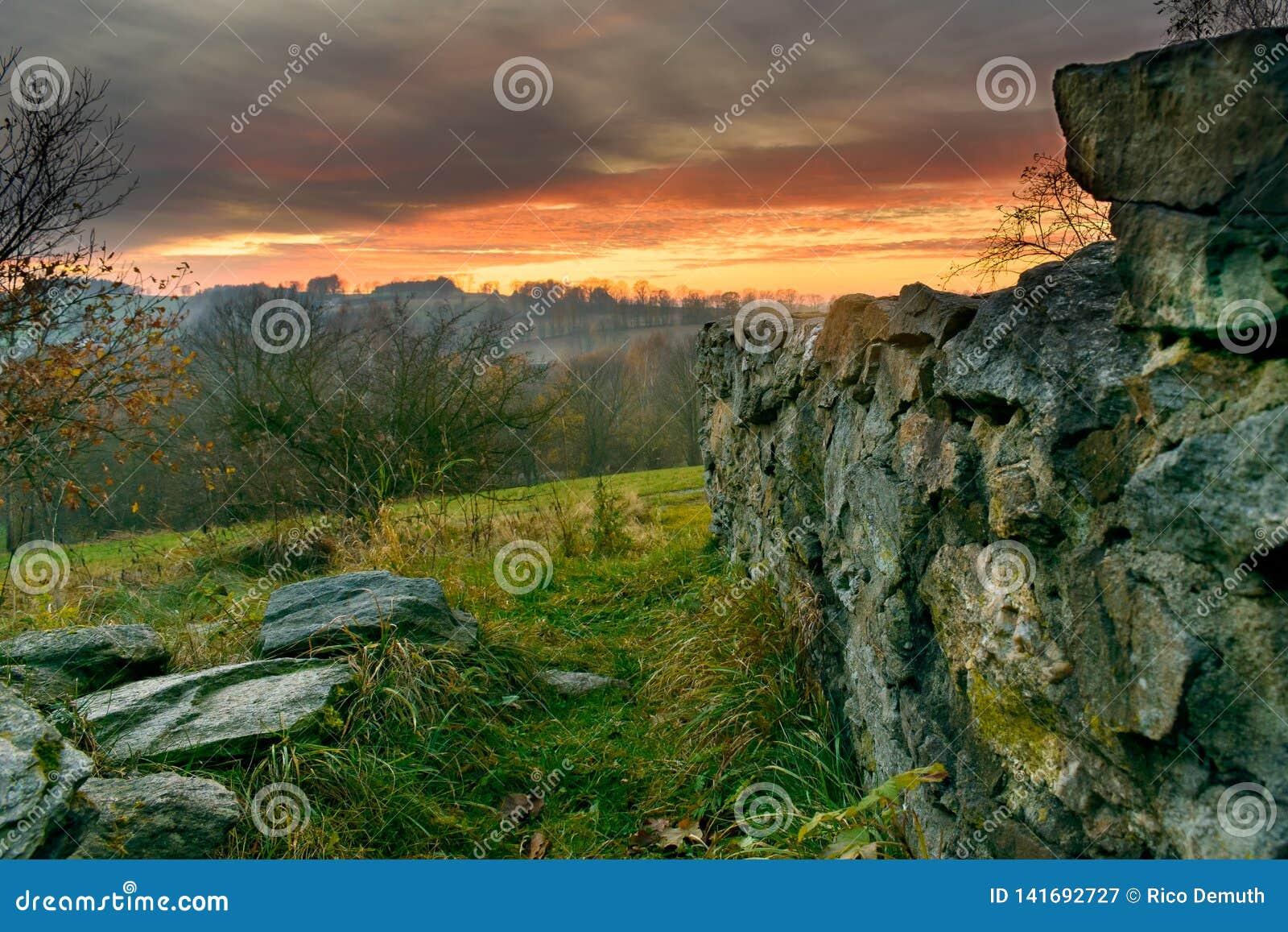 Aftonlynne i ruinsen-3