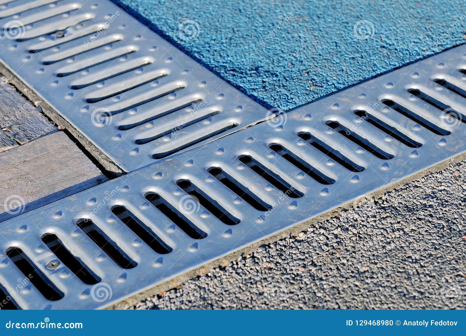 Afvoerkanaal drate, rooster voor verwijdering van regenwater